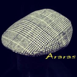 Gorra de paño a cuadros con orejeras