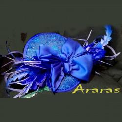 Tocado plumas y lazos azul en Araras
